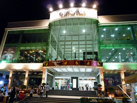 LUCKY_MALL_SiemReap_Night2.jpg