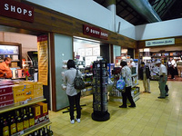 SiemReap_International_Airport_DutyFreeShop1.jpg